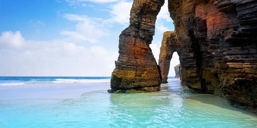Vacaciones baratas: Playa de las Catedrales